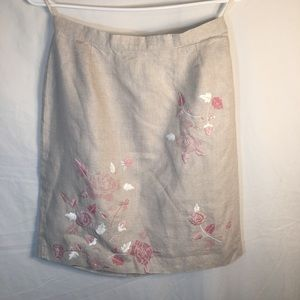 Size 8 Casual Corner Beautiful Skirt!